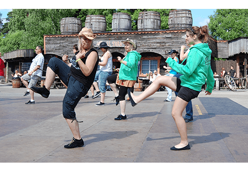Våra dansare under socialdans.