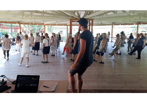 Workshop under vår öppendans på dansbanan i Gamla Linköping