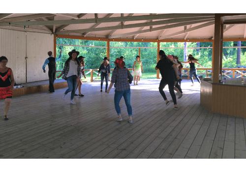 Firmaworkshop på dansbana utomhus